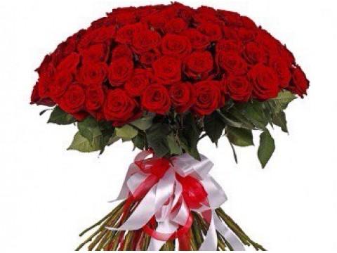 101 червона троянда